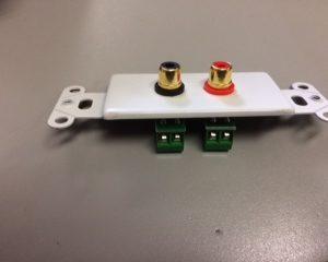 Wallplate Decora 2 RCA JACKS, RED & BLACK, takes up to 14AWG speaker wire – WHITE  bulk